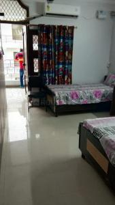 Bedroom Image of Ggirls PG With 2 Time Meal 10000 With Electricity Without Ac in Malviya Nagar