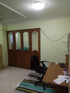 Gallery Cover Image of 800 Sq.ft 2 BHK Apartment for buy in Bandra West for 30000000