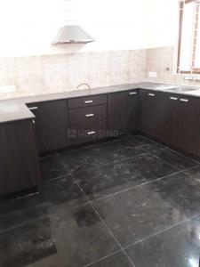 Gallery Cover Image of 2000 Sq.ft 3 BHK Apartment for rent in Alwarpet for 60000