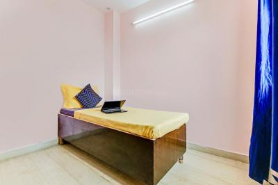 Bedroom Image of Oyo Life Del2051 Nirman Vihar Metro in Laxmi Nagar
