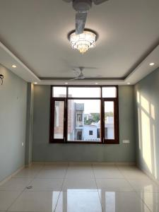 Gallery Cover Image of 2000 Sq.ft 3 BHK Independent Floor for rent in DLF Phase 2 for 50000