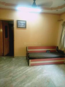 Gallery Cover Image of 350 Sq.ft 1 RK Apartment for rent in Sankalp Society, Malad East for 16000