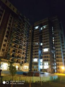 Gallery Cover Image of 1350 Sq.ft 3 BHK Apartment for buy in Victory Central, Noida Extension for 4190000