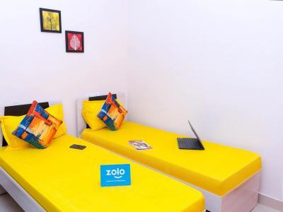 गाछीबौली में ज़ोलो लियो के बेडरूम की तस्वीर