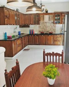 कोडीहल्ली में कोहब्स ऑरा में किचन की तस्वीर