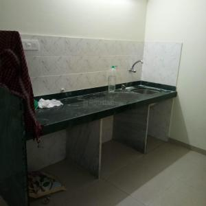 Gallery Cover Image of 550 Sq.ft 1 BHK Apartment for rent in Kamal Morya Tower, Vidya Nagar for 35000