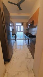Gallery Cover Image of 1100 Sq.ft 2 BHK Apartment for buy in Raheja Exotica Sorento, Madh for 16000000