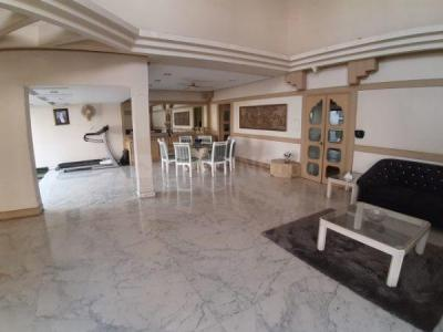 Gallery Cover Image of 4200 Sq.ft 5 BHK Independent Floor for rent in Juhu for 500000