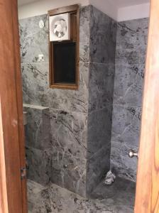 Bathroom Image of 1700 Sq.ft 3 BHK Apartment for buy in Raj Nagar for 6800000