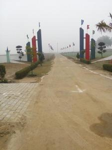 Gallery Cover Image of 900 Sq.ft Residential Plot for buy in Dasna for 700000
