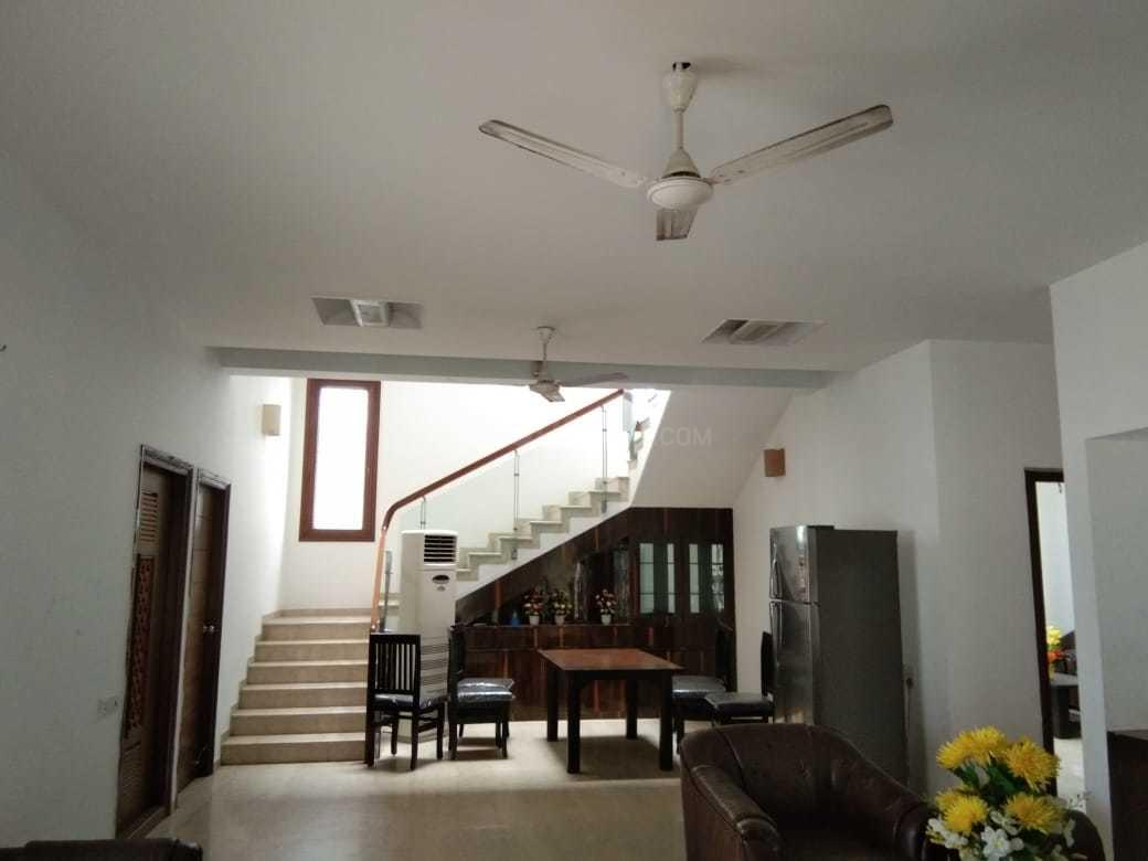 Living Room Image of 5000 Sq.ft 5 BHK Independent House for rent in Jubilee Hills for 250000