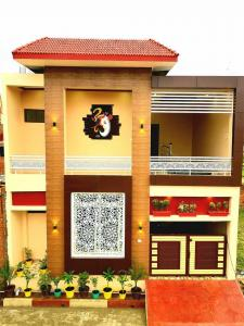 Gallery Cover Image of 1500 Sq.ft 3 BHK Villa for buy in Vrindavan Yojna for 5625000
