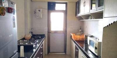 Gallery Cover Image of 820 Sq.ft 2 BHK Apartment for rent in Kandivali East for 35000