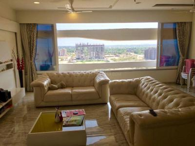 Gallery Cover Image of 2165 Sq.ft 3 BHK Apartment for rent in Khodiyar for 25000