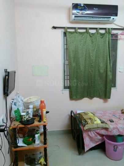 Bedroom Image of Yrn Ladies Hostel in Selaiyur