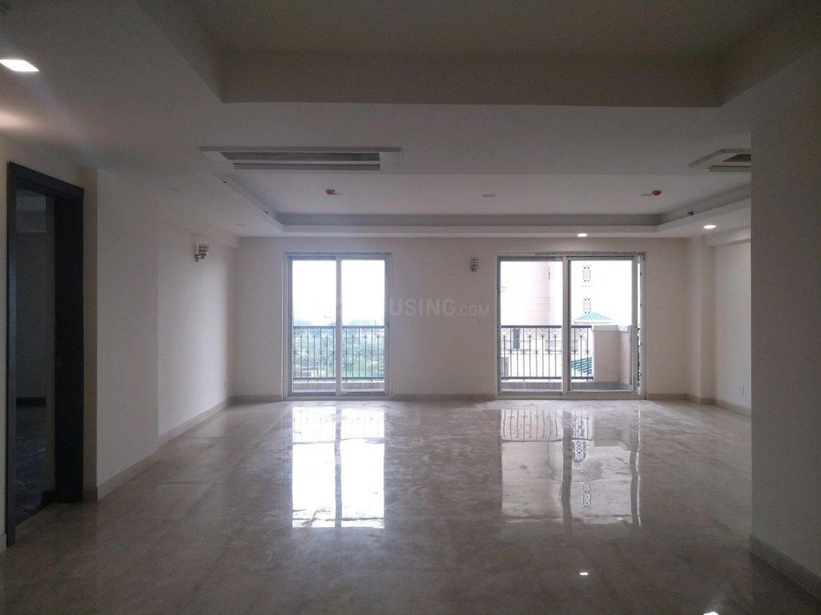 Living Room Image of 3150 Sq.ft 4 BHK Apartment for buy in Sector 104 for 21000000