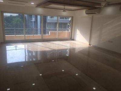 Gallery Cover Image of 2400 Sq.ft 4 BHK Apartment for rent in Santacruz West for 225000