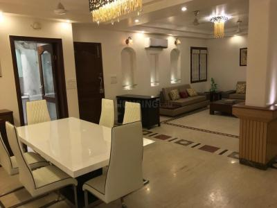Gallery Cover Image of 2000 Sq.ft 3 BHK Apartment for rent in Vasant Kunj for 90000