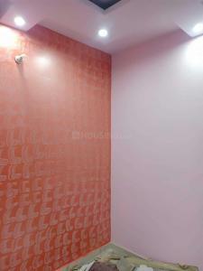 Gallery Cover Image of 250 Sq.ft 1 RK Independent Floor for buy in Uttam Nagar for 600000