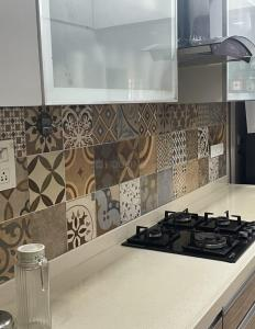 Gallery Cover Image of 3300 Sq.ft 5 BHK Apartment for rent in Sindhi Society, Chembur for 150000