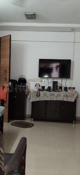 Living Room Image of 550 Sq.ft 1 BHK Apartment for rent in Kopar Khairane for 25000