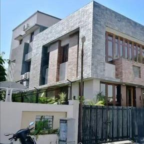 Gallery Cover Image of 4185 Sq.ft 4 BHK Independent House for buy in Thaltej for 57500000