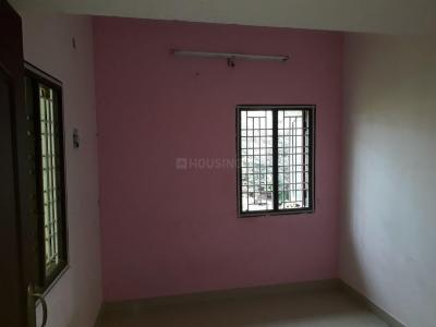 Gallery Cover Image of 750 Sq.ft 2 BHK Independent Floor for rent in Chengalpattu for 7500