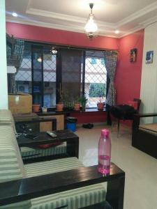 Gallery Cover Image of 560 Sq.ft 1 BHK Apartment for rent in Santacruz East for 45000
