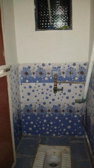 Common Bathroom Image of 680 Sq.ft 1 BHK Apartment for rent in Palidevad for 6000