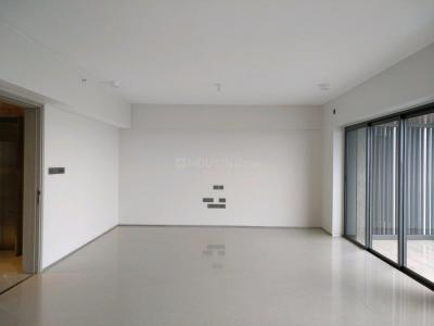 Gallery Cover Image of 2000 Sq.ft 4 BHK Apartment for buy in Santacruz West for 107500000
