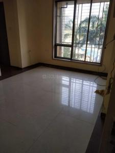 Gallery Cover Image of 650 Sq.ft 1 BHK Apartment for rent in Kandivali West for 27000