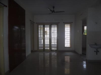 Gallery Cover Image of 900 Sq.ft 3 BHK Apartment for rent in Adambakkam for 18000