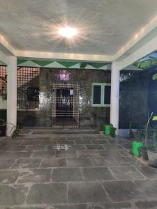 Gallery Cover Image of 2000 Sq.ft 3 BHK Independent House for rent in Anakaputhur for 12000