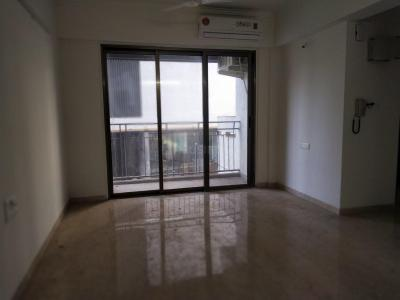 Gallery Cover Image of 650 Sq.ft 2 BHK Apartment for rent in Andheri West for 45000
