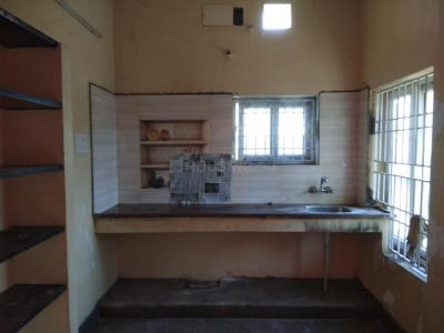 Gallery Cover Image of 750 Sq.ft 2 BHK Independent Floor for rent in Madambakkam for 9000