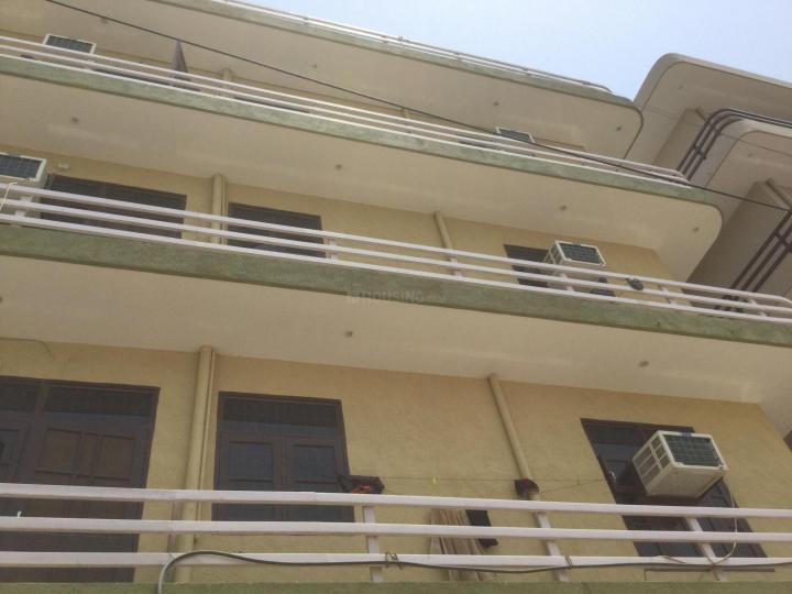 कम्फर्ट रेसिडेंसी इन सेक्टर 15 के बिल्डिंग की तस्वीर