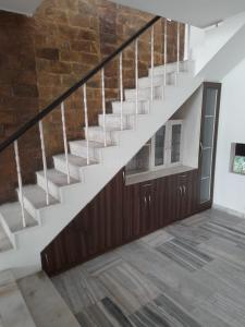 Gallery Cover Image of 4000 Sq.ft 4 BHK Independent House for rent in Sector 40 for 50000