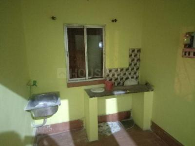Gallery Cover Image of 650 Sq.ft 1 BHK Independent House for rent in Purba Putiary for 5000