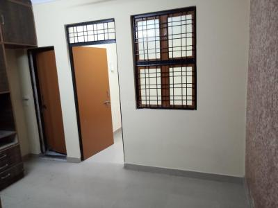 Gallery Cover Image of 312 Sq.ft 1 BHK Apartment for rent in DLF Phase 1 for 10000