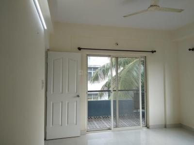 Gallery Cover Image of 1000 Sq.ft 2 BHK Apartment for rent in Cox Town for 25000