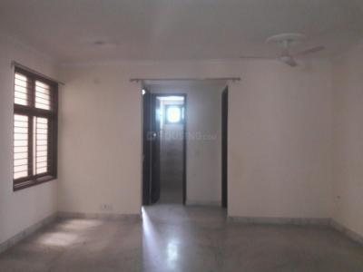 Gallery Cover Image of 1350 Sq.ft 3 BHK Apartment for rent in Vasant Kunj for 25000