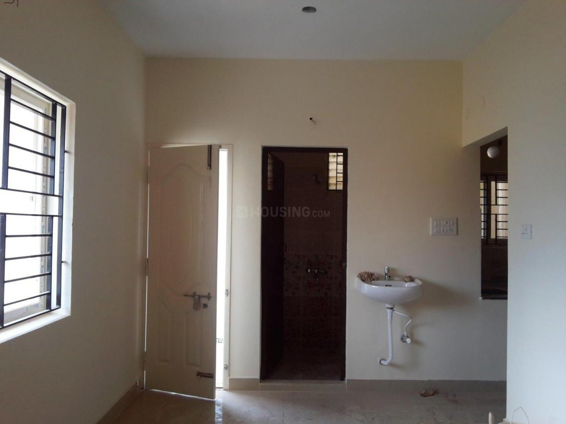 Living Room Image of 650 Sq.ft 1 BHK Apartment for buy in Surappattu for 2860000