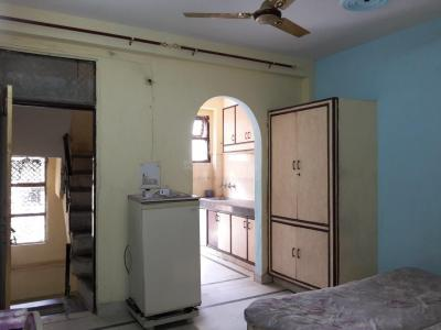 Gallery Cover Image of 450 Sq.ft 1 BHK Independent Floor for rent in DLF Phase 3 for 14500