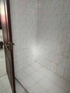 Bathroom Image of Urban Rooms in DLF Phase 2