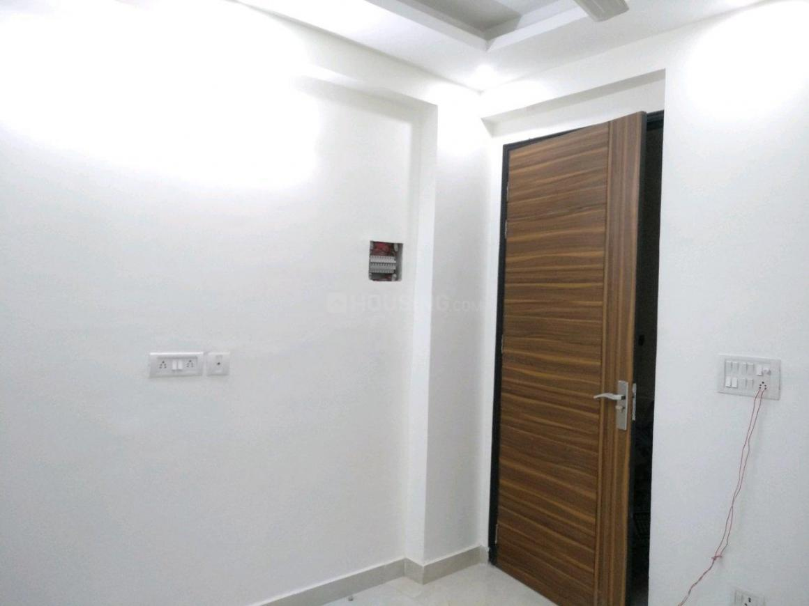 Living Room Image of 450 Sq.ft 1 BHK Apartment for buy in Chhattarpur for 1780000