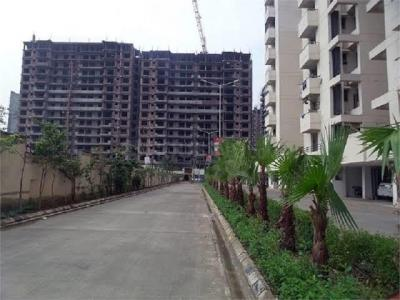 Gallery Cover Image of 340 Sq.ft 1 RK Apartment for buy in SRS Royal Hills, Neharpar Faridabad for 400000