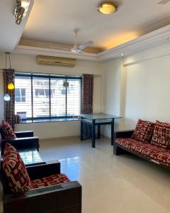 Gallery Cover Image of 1010 Sq.ft 2 BHK Apartment for rent in Andheri West for 55500