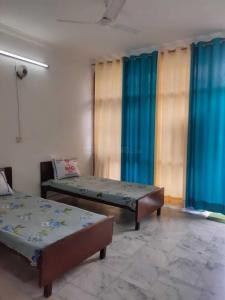 Bedroom Image of PG For Girls in Rajouri Garden