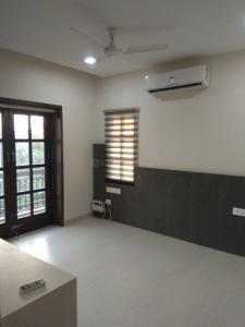 Gallery Cover Image of 1000 Sq.ft 2 BHK Apartment for buy in Sholinganallur for 6000000