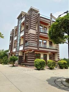 Gallery Cover Image of 1100 Sq.ft 3 BHK Independent Floor for buy in Pandav Nagar for 4899000